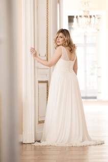 Lovely by Mode de Pol - Brautkleid lo-79t
