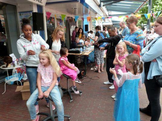 Bogdike-Sprookjesdag-Goocheldag-2017-Veendam-Siena-KoningP1330948