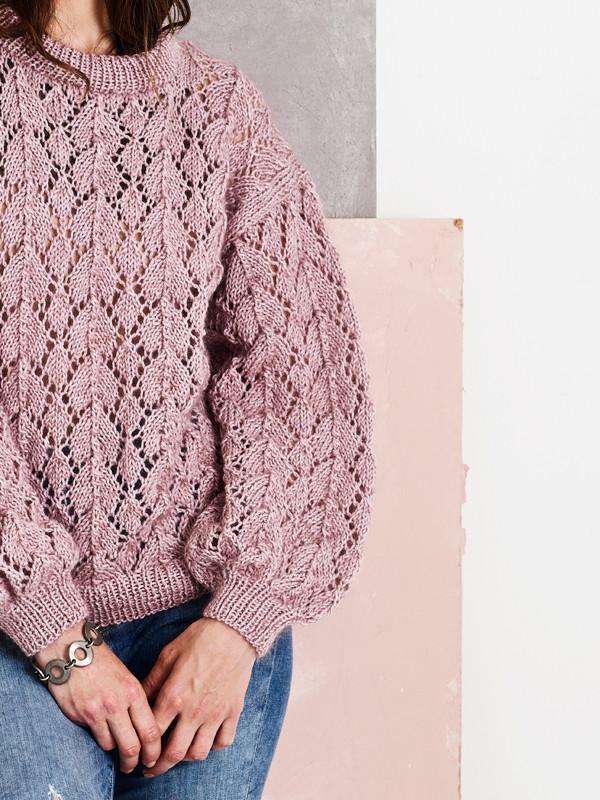 Bluse med hulmønster og ballonærmer fra Onion Knit