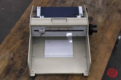 HS-2000 M Business Card Slitter - 011921010110