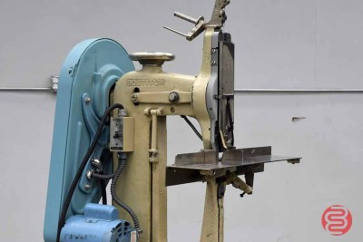Bostitch Bronco 7AW Flat Book / Saddle Stitcher - 020321102810