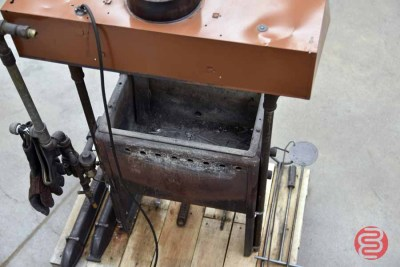 Signature Gas Fired Lead Melting Pot w/ Pig Molds - 050621015234