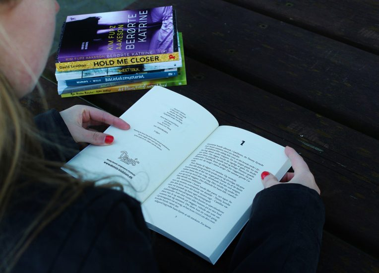 Dewey's Read-a-thon 2016 #2 - Følg min læsning #2