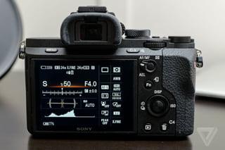 Sony-A7R-Mark-II-(3)