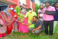 Photo of বগুড়ায় মুজিববর্ষ উপলক্ষ্যে আইডিয়াল স্কুলে বৃক্ষরোপন ও খাতা বিতরণ