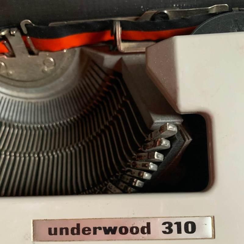 Macchina da scrivere Underwood dettaglio