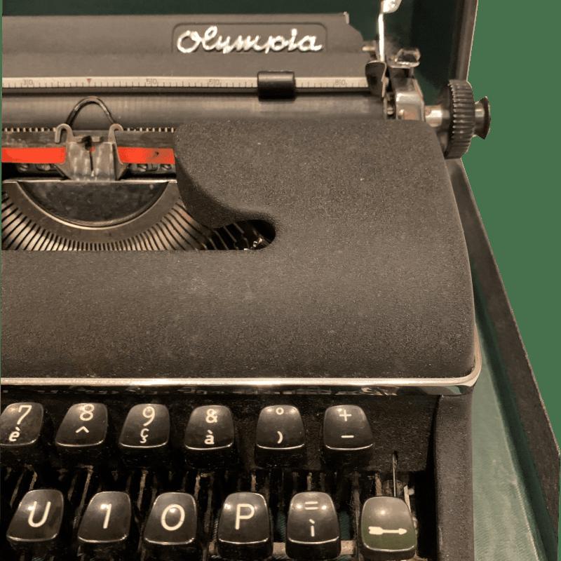 macchina-da-scrivere-olympia-particolare