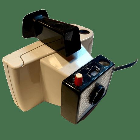 swinger-land-camera-polaroid