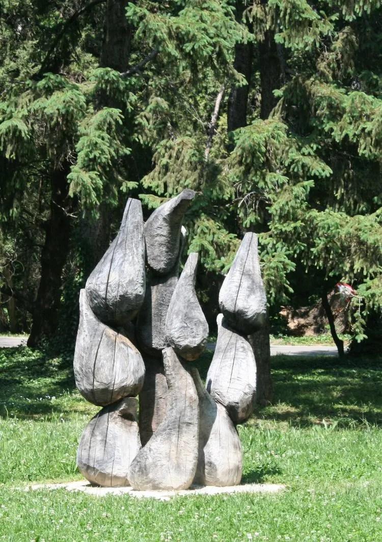 Houten kunst in het Sea Garden Primorski Park