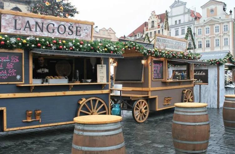 Kraampjes op de kerstmarkt in Praag