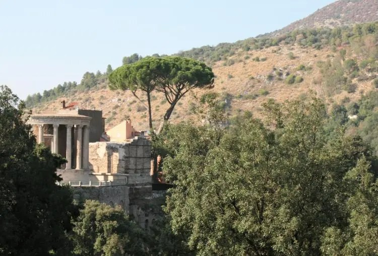 Parco Villa Gregoriana in Tivoli nabij Rome