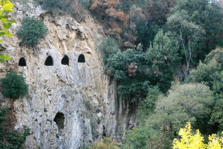 Grotten in Villa Gregoriana in Tivoli