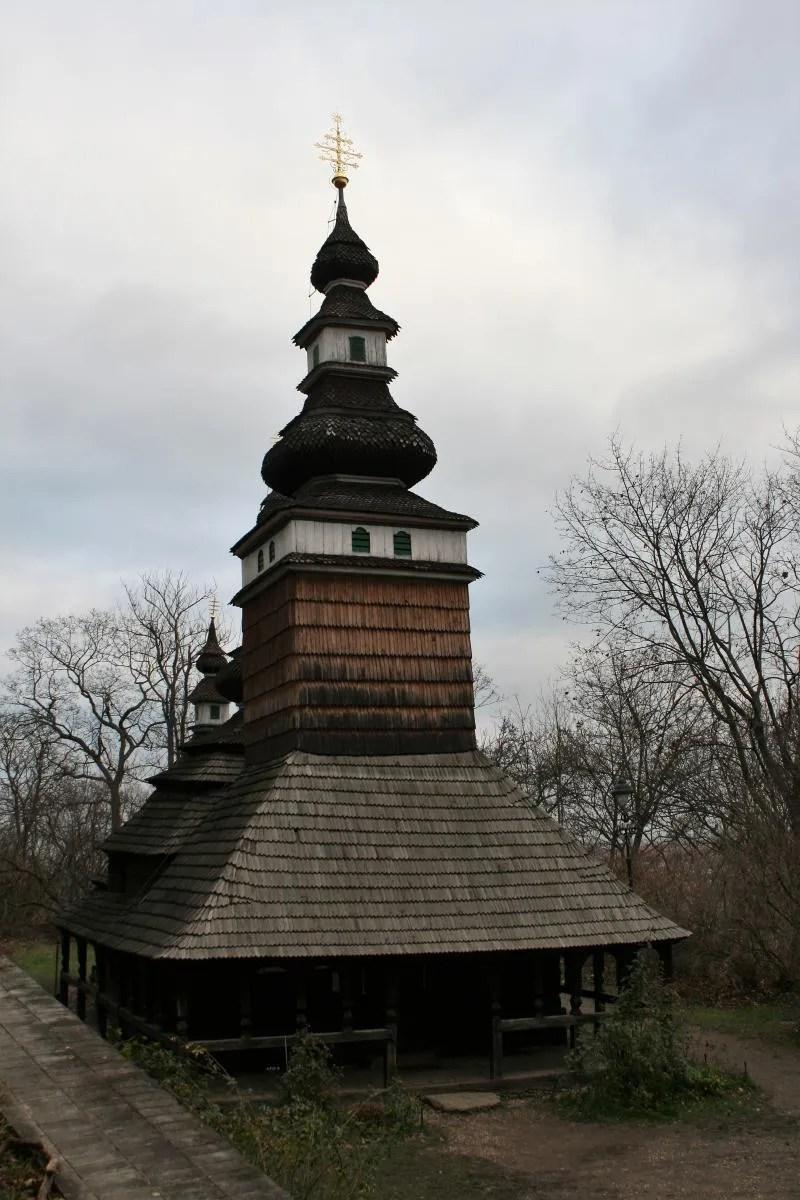 De houten St Michaelkerk in Praag