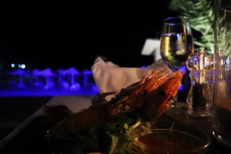 Uiteten bij restaurant Oasis op Agistri in Griekenland