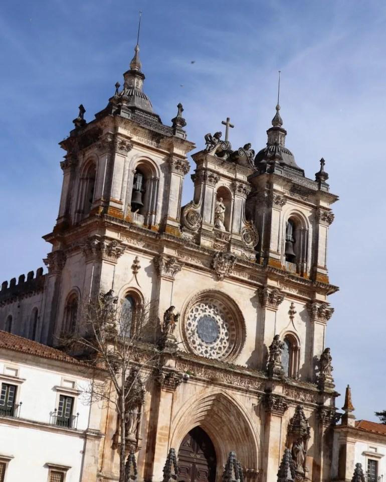 Het klooster Mosteiro de Alcobaça in Portugal