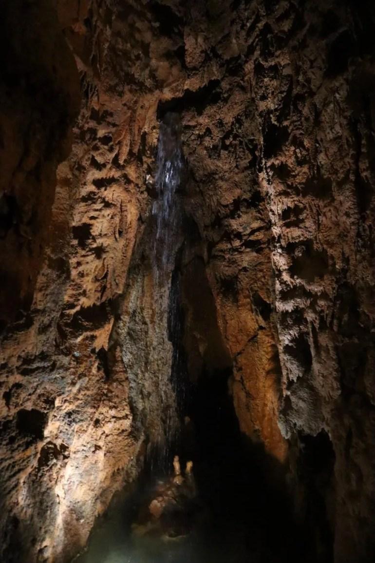 De grotten Mira de Aire in Portugal