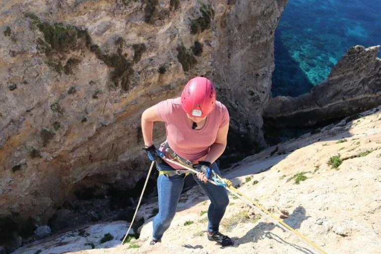 Overkom je hoogtevrees (abseilen en rotsklimmen in Malta)
