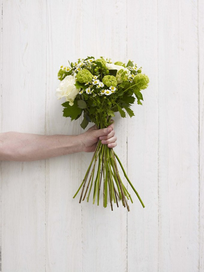 Diy tutorial white and green hand tie bouquet boho weddings for