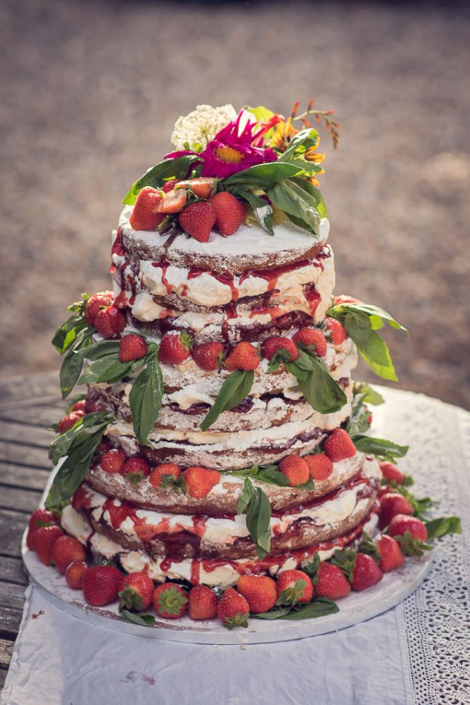 Homespun Wedding naked cake at Frithsden Vineyard