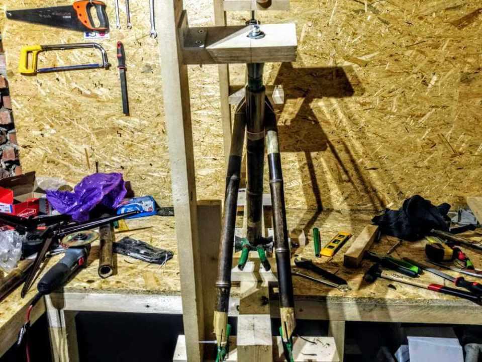 montaż bambusowych tyczek haki 3