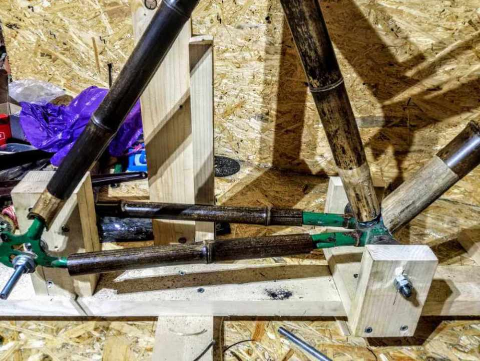 montaż bambuswoych tyczek 08