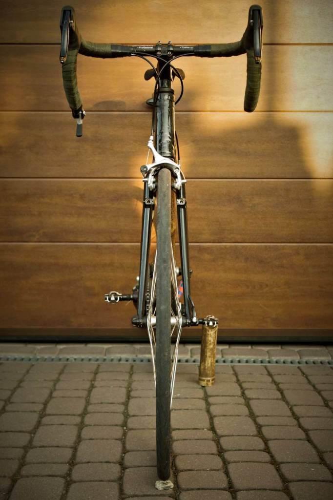 Bambusowy rower Marcina od frontu