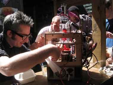 maker bot and bre.jpg