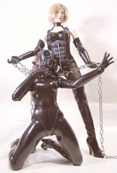 Toy Dolls... Mi primer contacto con el BDSM