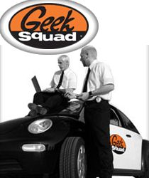 2 agents Geek Squad et leur style si Men in Black
