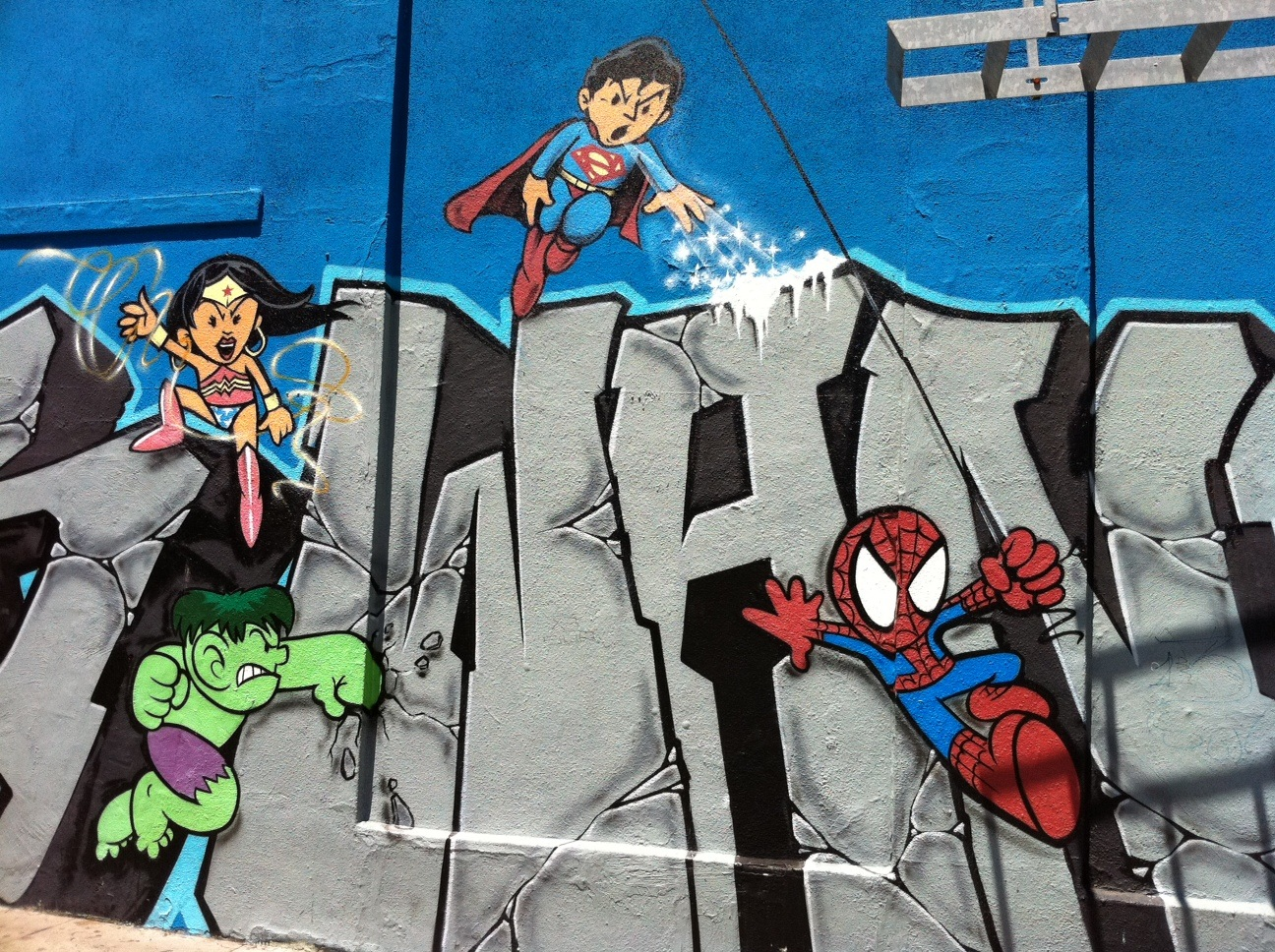 I Really Dig The Stylized Superheroes In This Massive Graffiti Piece In San Franciscos Mission District I Didnt See The Artists Name And The Background
