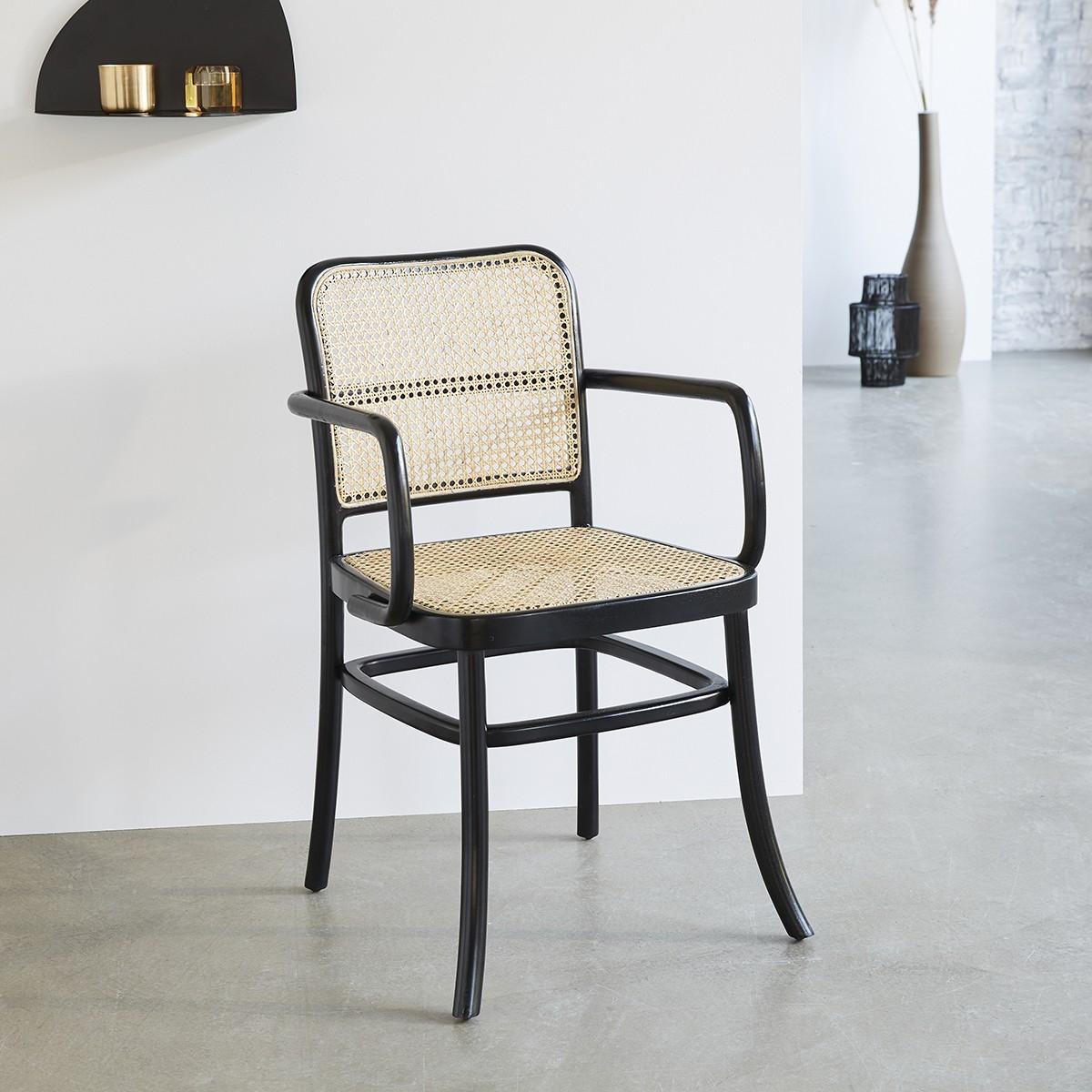 chaise avec accoudoirs en bois d acajou et cannage hana