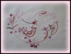 un oiseau et des fleurs 2