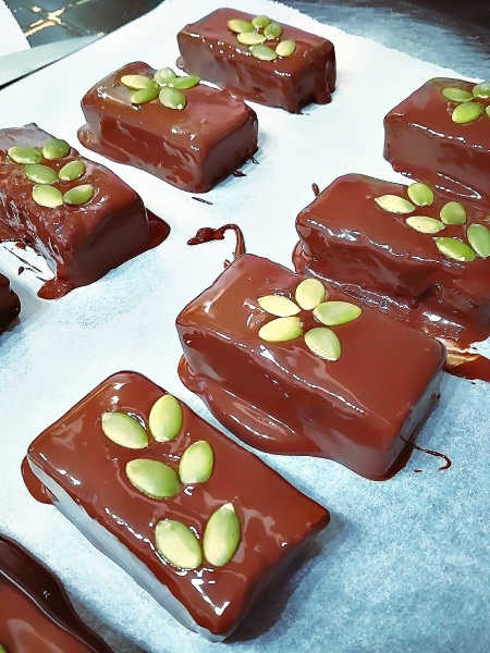 Pumpink chocolate bars ( Barres chocolatées au butternut )