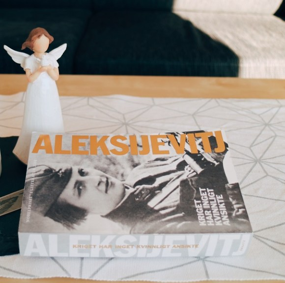 Kriget har inget kvinnligt ansikte av Svetlana Aleksijevitj