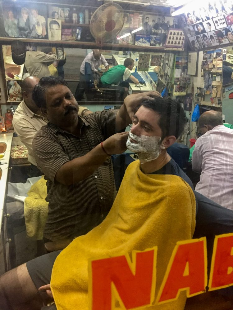 Liviu la Barber Shop