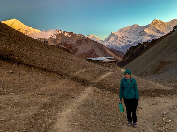 Vedere la cazarea noastră, o anexă a casei de oaspeți de la High View Camp. Annapurna
