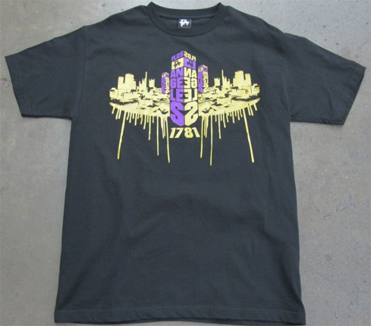 https://i2.wp.com/www.boldscreenprinting.com/wp-content/gallery/thumbnails/gold-metallic-drips-shirt.jpg?resize=532%2C467