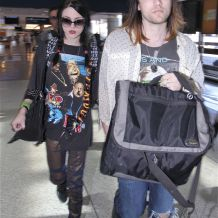 All Apologies? Frances Bean Cobain Secretly Marries Kurt Lookalike, Doesn't Invite Mom Courtney Love