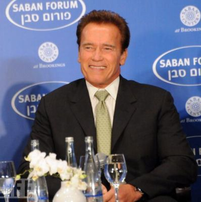 https://i2.wp.com/www.bollyn.com/public/Scharzenegger_at_Saban_Forum.jpg