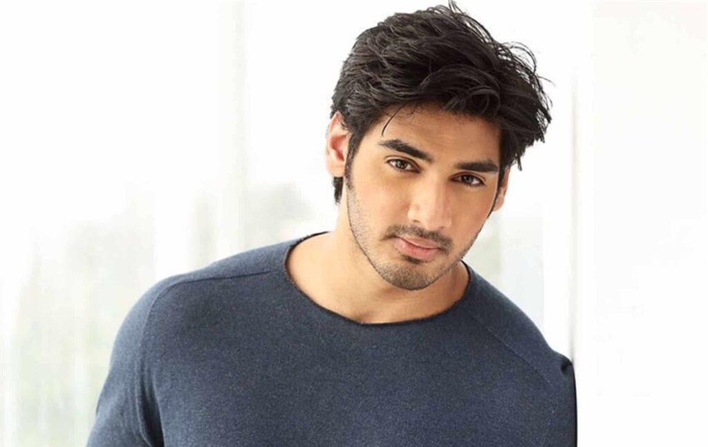 Ahan Shetty benaderd voor Bollywood film Aashiqui 3?