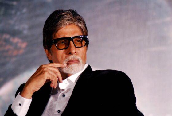 Bollywood acteur Amitabh Bachchan bekroond met hoogste onderscheiding van India