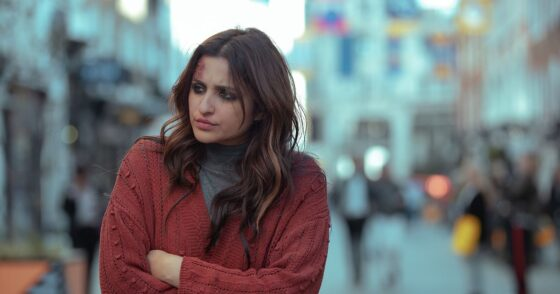 Bekijk de trailer van de Bollywood remake The Girl on the Train