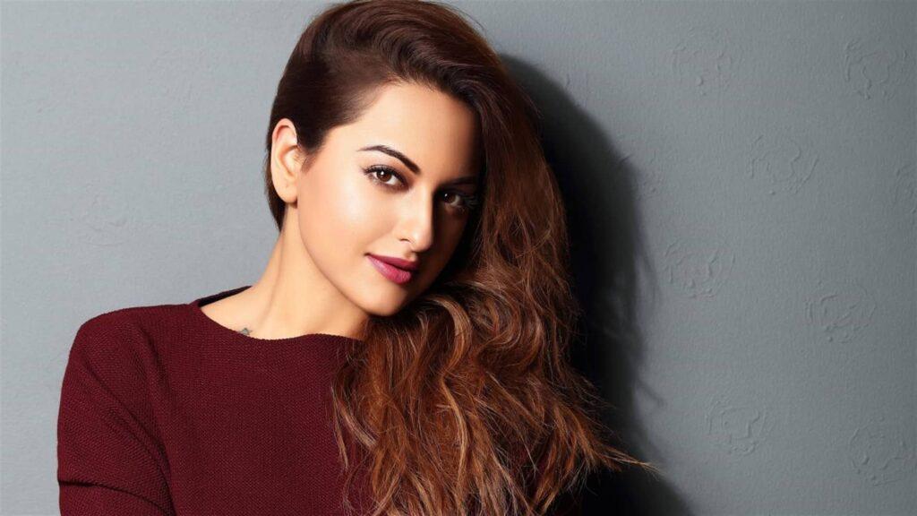"""Bollywood actrice Sonakshi Sinha: """"Beroemdheden moeten de wereld verbeteren"""""""
