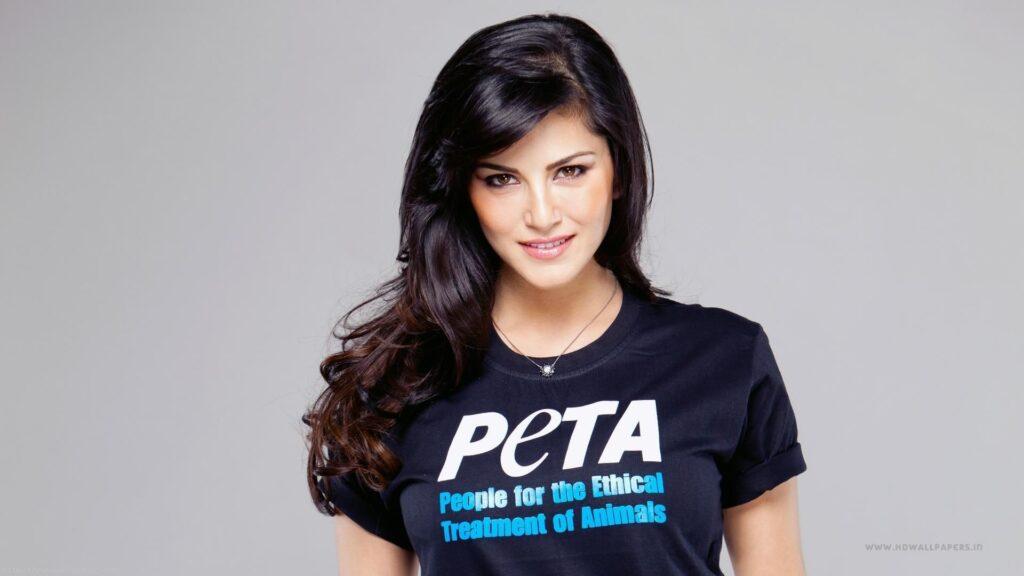 Bollywood actrice Sunny Leone vertelt over haar rol als werkende moeder