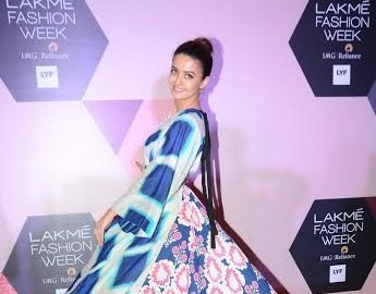 Actress, Surveen Chawla, GARO, Lakme Fashion Week