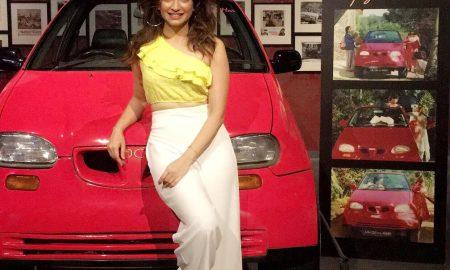 Kriti Kharbanda, Dil To Pagal Hai, vintage car