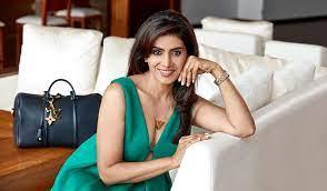 Sonali Kulkarni All Films Hit Flop Box Office Analysis