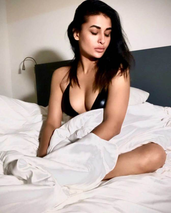 Pavitra Punia Hot S*xy Pictures