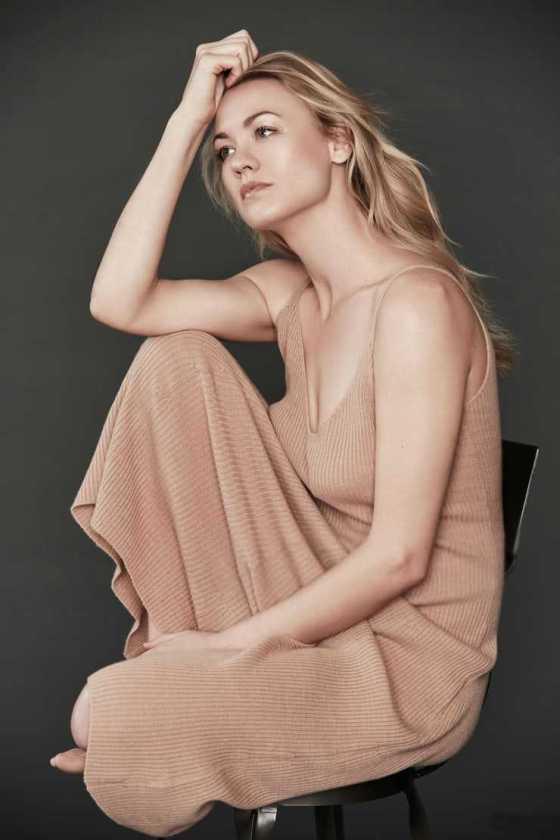 Hot images of Yvonne Strahovski