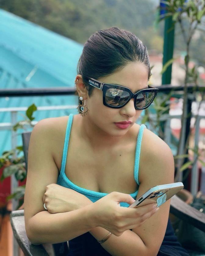 Krishna Mukherjee 12 Hot Gorgeous Pictures